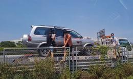 Hà Nội tăng cường kiểm tra xe luồng xanh và tập trung cao điểm xét nghiệm sàng lọc cộng đồng