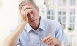 Người cao tuổi gan dễ bị tổn thương do sử dụng thuốc