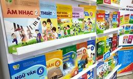 Nhiều nơi chỉ đạo khẩn cung ứng kịp thời sách giáo khoa đến học sinh trước năm học mới
