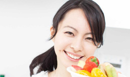Ăn kiêng sau sinh theo kinh nghiệm dân gian có tốt không?