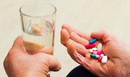 Tác dụng phụ khi dùng thuốc cho người cao tuổi
