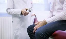 Cụ ông 85 tuổi thoát bí tiểu nhờ nút mạch điều trị phì đại tuyến tiền liệt
