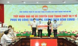 Hà Nội tiếp nhận trang thiết bị y tế 100 tỷ đồng để phòng, chống COVID-19