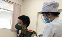 Tình nguyện viên tại điểm tiêm chủng nhiễm SARS-CoV-2, gần 1.000 người liên quan âm tính