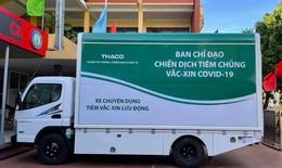 Tiêm vaccine COVID-19 trên xe lưu động cho bà con ở miền núi, biên giới