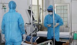 Bác sĩ Bệnh viện Trung ương Huế sát cánh cùng Bến Tre chống dịch
