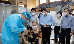 Bộ trưởng Bộ Y tế kỳ vọng đến ngày 15/9, 100% người trên 18 tuổi ở Hà Nội sẽ được tiêm vaccine