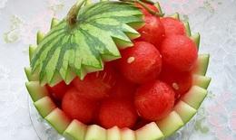 Sốt sau tiêm vaccine COVID-19 có nên ăn dưa hấu?