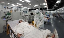 Chăm sóc bệnh nhân nặng và nguy kịch tại Trung tâm Hồi sức tích cực COVID-19 BV TW Huế