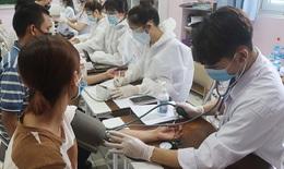 """Người Hà Nội hồ hởi đi tiêm vaccine COVID-19, xóa bỏ tâm lý """"kén chọn"""""""