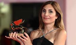 Cửa sổ Văn hóa: Nữ nhà báo Audrey Diwan đoạt Sư tử vàng Venice 2021