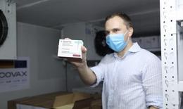 Việt Nam nhận thêm 852.480 liều vaccine COVID-19