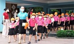 Nhiều địa phương cho học sinh đến trường, thực hiện nghiêm phòng dịch