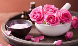 Kết thân với nước hoa hồng