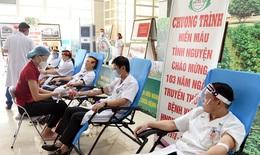 Thầy thuốc Bệnh viện HNĐK Nghệ An hiến máu cứu người giữa đại dịch