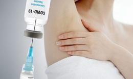 Nổi hạch sau tiêm vaccine COVID-19: Hiểu để tránh sinh thiết không cần thiết