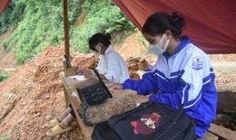 Lắp đặt trạm phát sóng cho bản làng vùng biên sau bài viết về 2 chị em dựng lán giữa rừng học online