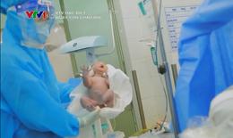 'Ngày con chào đời', nước mắt hạnh phúc ngày COVID-19