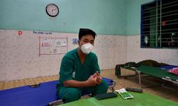 Khi trạm y tế lưu động có thêm tình nguyện viên tư vấn tâm lý...