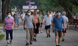 Hồ Gươm bất ngờ trở thành 'sân thể thao' lớn nhất Thủ đô từ 4h sáng