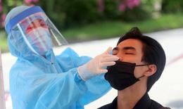 """Quyết bóc hết F0, Hà Nội """"thần tốc"""" lấy 1 triệu mẫu xét nghiệm SARS-CoV-2 trong 3 ngày"""