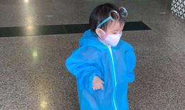 """Nhiều em bé """"mắc kẹt"""" tại miền Nam được Bắc Giang đón về bằng máy bay"""