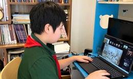 Phụ huynh và học sinh nháo nhác vì... học online