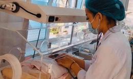 Cứu sống bé sinh non bị teo ruột bẩm sinh, suy hô hấp sau 50 ngày điều trị