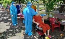 Tức tốc bao phủ vaccine, chăm sóc tốt F0 từ phường, quận ở TP.HCM