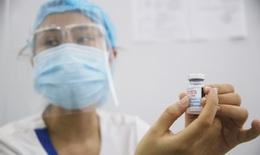 Hà Nội: Ứng trực liên tục, tập trung cao độ cho xét nghiệm, tiêm vaccine