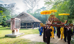 Làm gì để lưu giữ văn hóa đình làng?