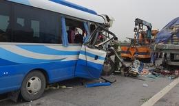 Nghệ An: Tai nạn giao thông nghiêm trọng khiến nhiều người thương vong