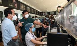 Thứ trưởng Bộ Y tế Đỗ Xuân Tuyên kiểm tra công tác phòng, chống dịch COVID-19 tại Nghệ An