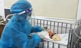 Bé gái con sản phụ mắc COVID-19 chào đời trong khu cách ly ở Nghệ An