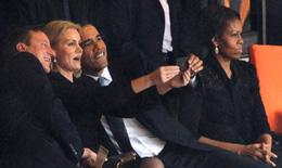 """Obama chụp ảnh """"tự sướng"""" tại tang lễ Mandela"""