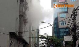 Hà Nội: Cháy lớn quán karaoke 7 tầng, người dân hoảng loạn