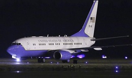 Máy bay chở giám đốc tình báo Mỹ trục trặc