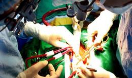 Cứu sống bệnh nhân bị dao đâm xuyên qua phổi đến tim