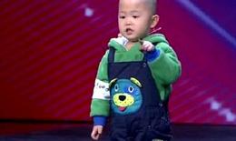 """Cậu bé 3 tuổi bất ngờ trở thành """"hiện tượng truyền hình"""""""
