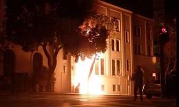 Lãnh sự quán Trung Quốc tại Mỹ bị đốt phá