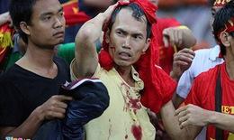 CĐV Malaysia tràn sang khán đài đánh CĐV Việt Nam