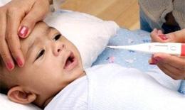 Dấu hiệu nhận biết trẻ bị viêm màng não
