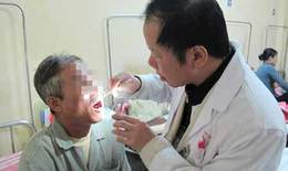 Dấu hiệu và nguy cơ gây ung thư khoang miệng