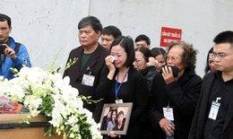 Chùm ảnh: Nghẹn ngào đón thi hài 3 mẹ con người Việt vụ MH17