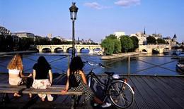 10 điều lãng mạn nên làm khi tới Paris