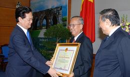 Trao Huân chương Hồ Chí Minh cho nguyên Phó thủ tướng Trương Vĩnh Trọng, Phạm Gia Khiêm