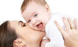 Vì sao nên cho trẻ bú sữa mẹ?