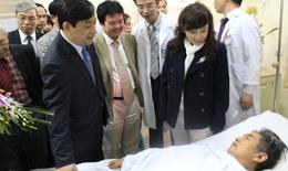 Bộ Trưởng Bộ Y tế thăm và tặng bằng khen cho bệnh viện Tim Hà Nội