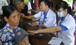 Hàng trăm người dân Mường Nhé được khám bệnh, cấp thuốc miễn phí