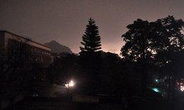 Hiện tượng lạ: Ngày biến thành đêm trong 10 phút ở TP Hạ Long